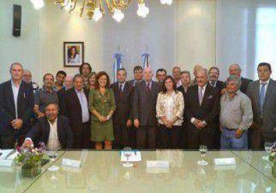 Nación firmó apoyo por 34 millones para la producción en Río Negro