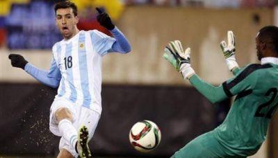 Brilló Pastore y Argentina le ganó 2-1 a Ecuador en Nueva Jersey