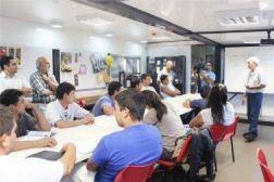 Mediante las aulas talleres móviles, la formación profesional llegará a toda la provincia