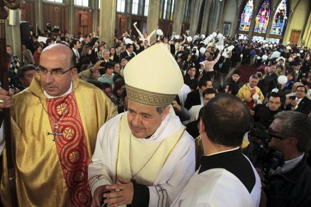Chile: Vaticano defiende nombramiento de cuestionado obispo