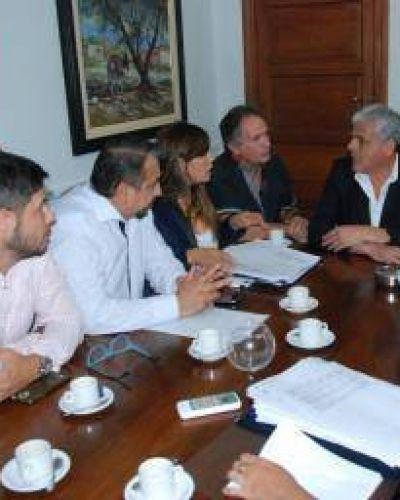 """El gobierno negó """"discriminación salarial"""" a municipales de Capital"""