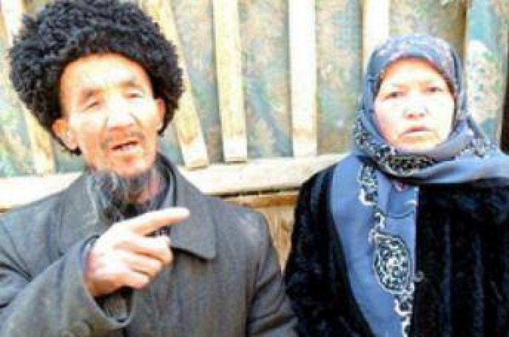 China: condenan a prisión un musulmán por la barba y a su esposa por el velo