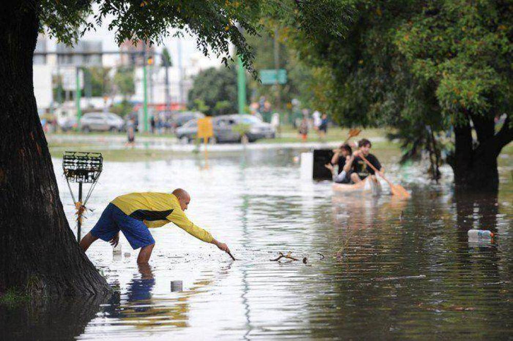 """Informe: """"La Ciudad sigue con riesgo a inundarse"""""""