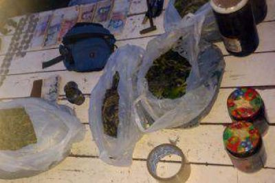 Cayeron dos bandas en Berazategui, una vendía droga y la otra autopartes