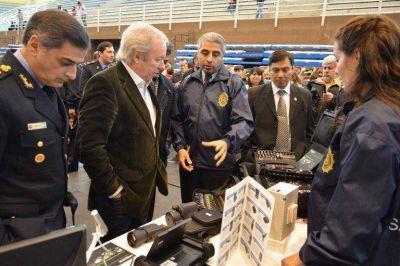 Peralta presidió el inicio del Ciclo Lectivo Policial y la presentación del proyecto educativo para la Fuerza