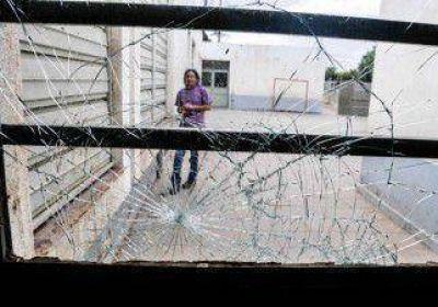 Plottier: un ataque vandálico dejó sin clases una escuela