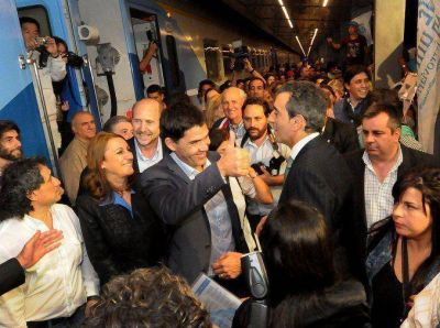 Despu�s de 23 a�os, un tren lleg� a Rosario procedente de Retiro