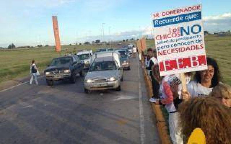 Docentes: Nueva protesta de FEB en rutas este fin de semana largo