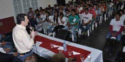 Zamora disert� en un encuentro de j�venes de circuitos rurales del Frente C�vico