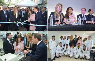 Junto a la Ministra Débora Giorgi la Gobernadora inauguró la primera fábrica de Latino América de mallas de cuero para relojes