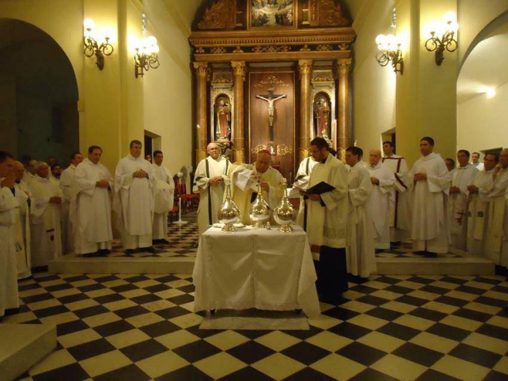 Mons. Arancedo alienta los sacerdotes a tener a Dios en el centro de sus vidas