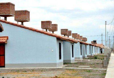 Demorar�an la entrega de casas que hab�a abandonado la empresa Ilarent