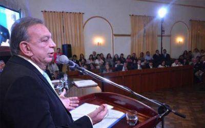 Asfaltos, nuevo hospital y seguridad, los ejes del discurso de Zúccaro