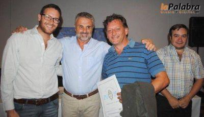 Curetti entregó títulos de propiedad y microcréditos a vecinos de Patagones