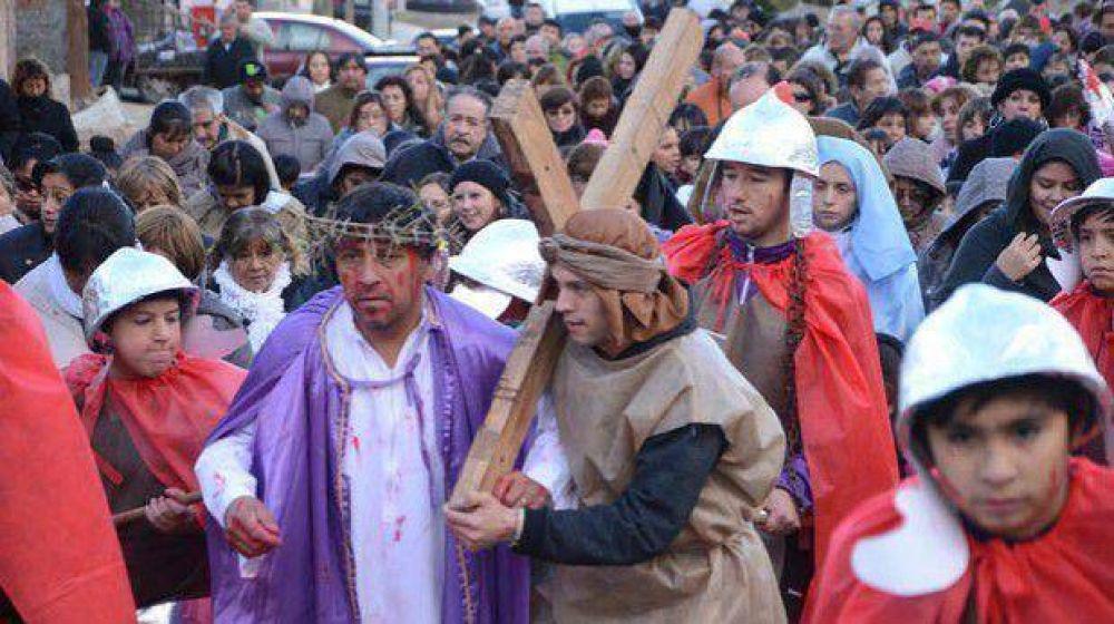 La representación del Vía Crucis tendrá espacio hoy en las diferentes parroquias