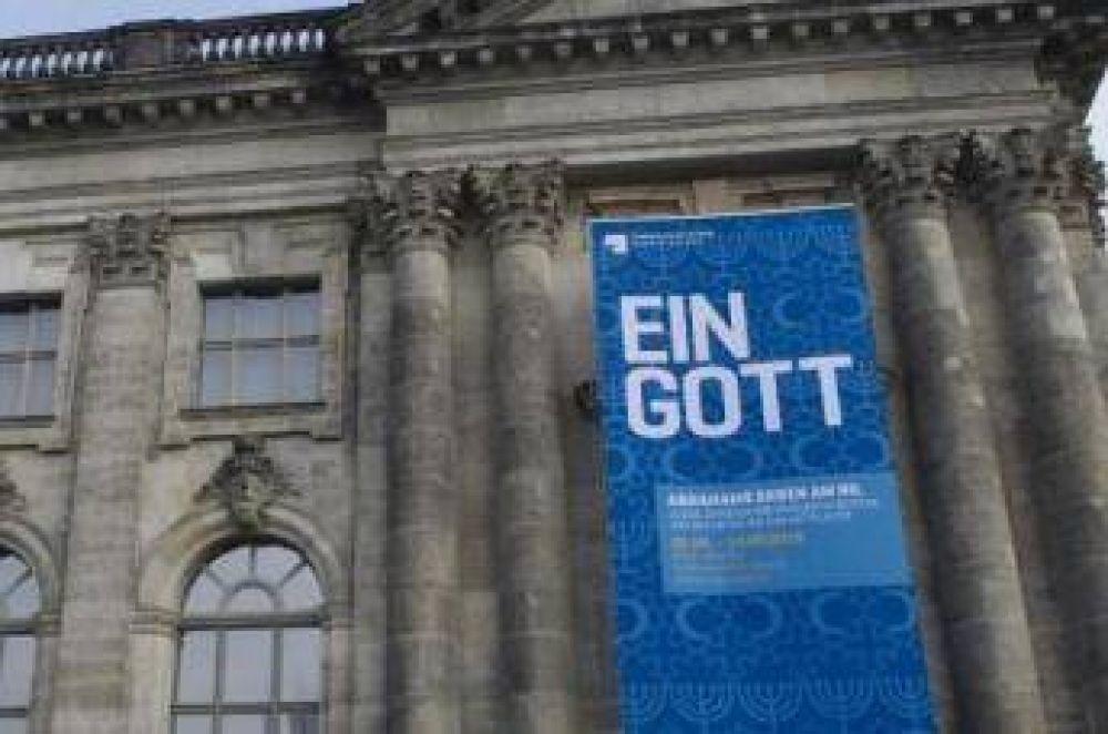 Exposición conjunta entre musulmanes, judíos y cristianos en Berlín