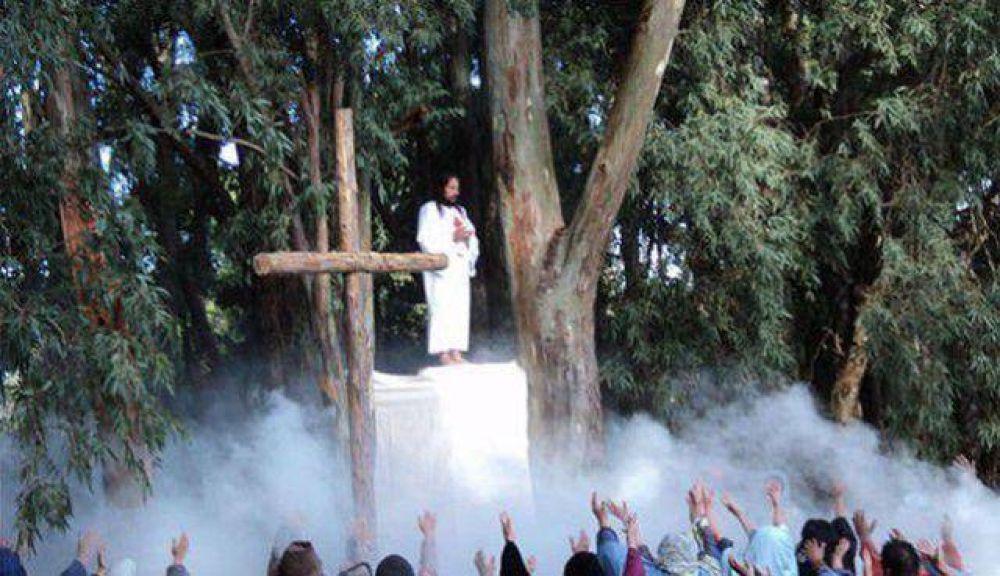 Se realiza el tradicional Vía Crucis en Claromecó