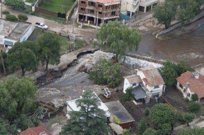 Vecinos afectados por el temporal cortaron la ruta por falta de respuestas