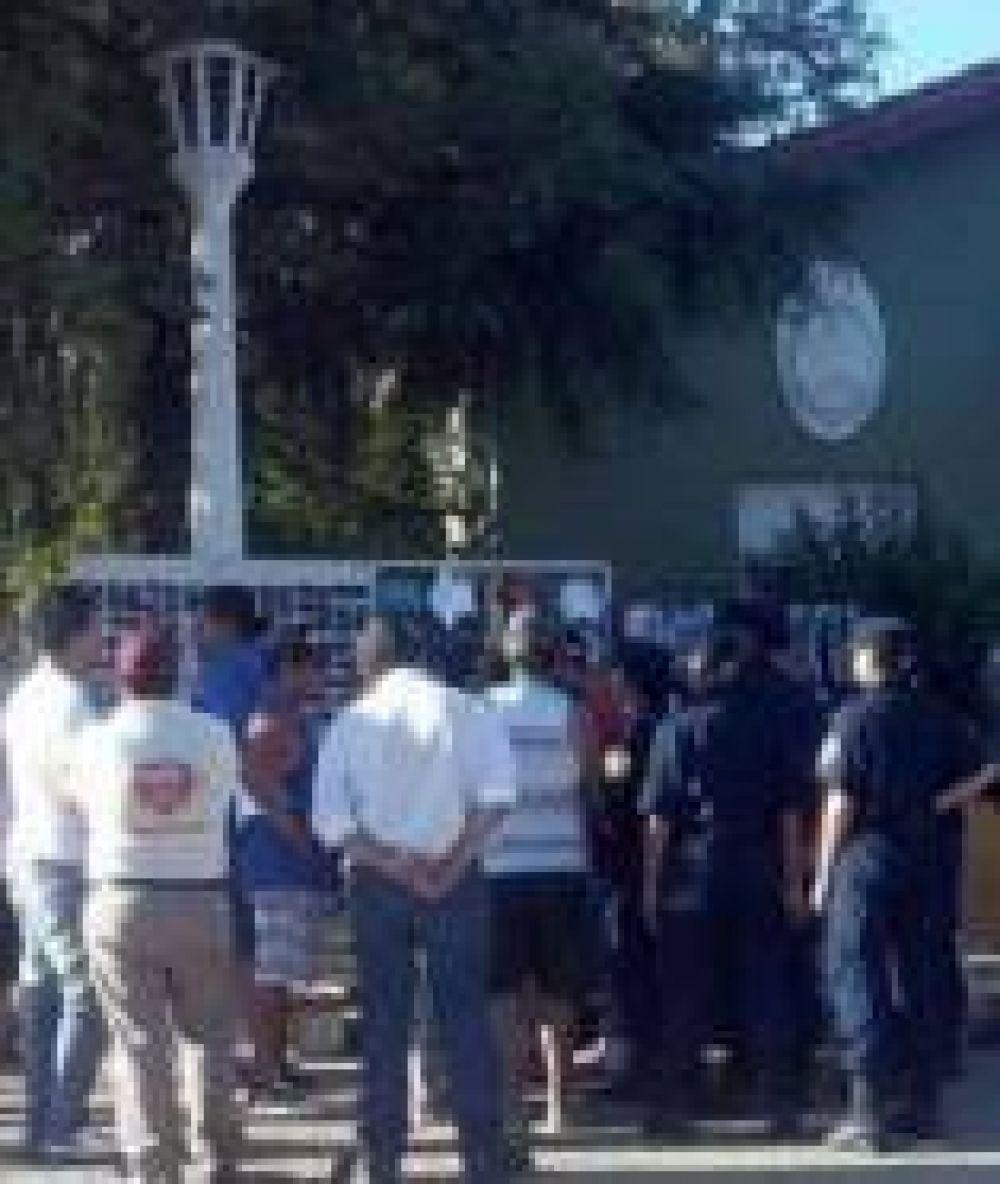Desalojaron a manteros de la costanera de Paraná