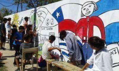 Chicos realizan murales participativos en Villa Luján-La Ribera