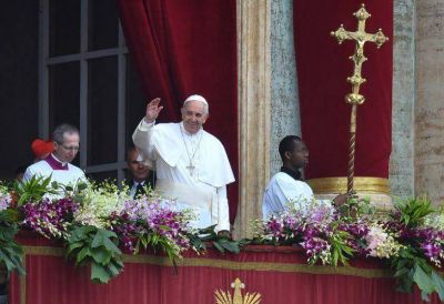 El Papa celebró la misa de Pascua e invocó por la Paz