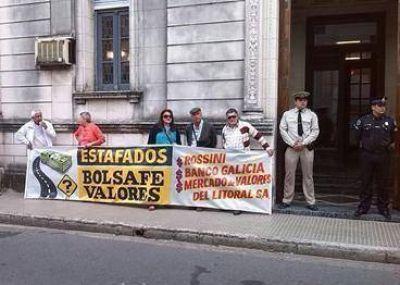 DOCE DIRECTORES DEL MERCADO DE VALORES DEL LITORAL NO ZAFAN DE LA CAUSA BOLSAF�