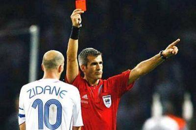 El recuerdo de la expulsión de Horacio Elizondo a Zinedine Zidane; ¿otro uso ilegal de la TV?
