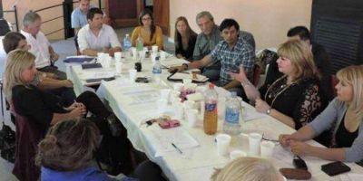 SE REALIZO EN SARMIENTO: La Secretar�a de Promoci�n Social de Esquel en la primera reuni�n anual del Consejo Provincial de la Ni�ez, Adolescencia y Familia