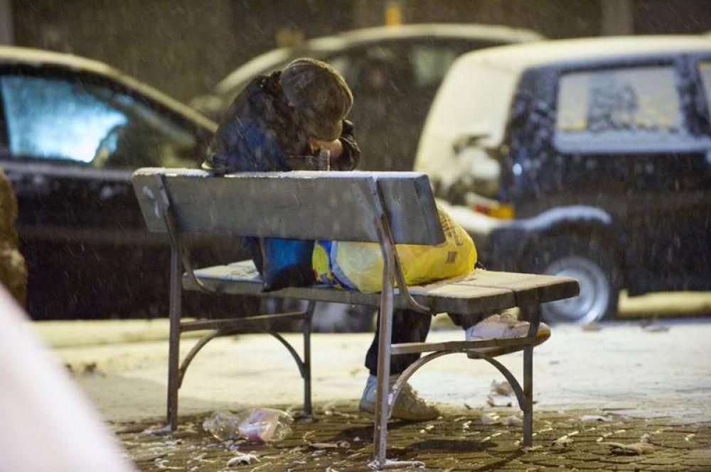 De las duchas a las comidas calientes en Términi: reportaje sobre la caridad del Papa en Roma