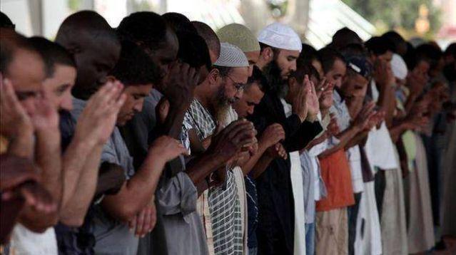 PONGA LO QUE USTED QUIERA - Página 37 Nota-1256223-espana-nueve-cada-diez-alumnos-musulmanes-reciben-clases-islam-escuela-592659