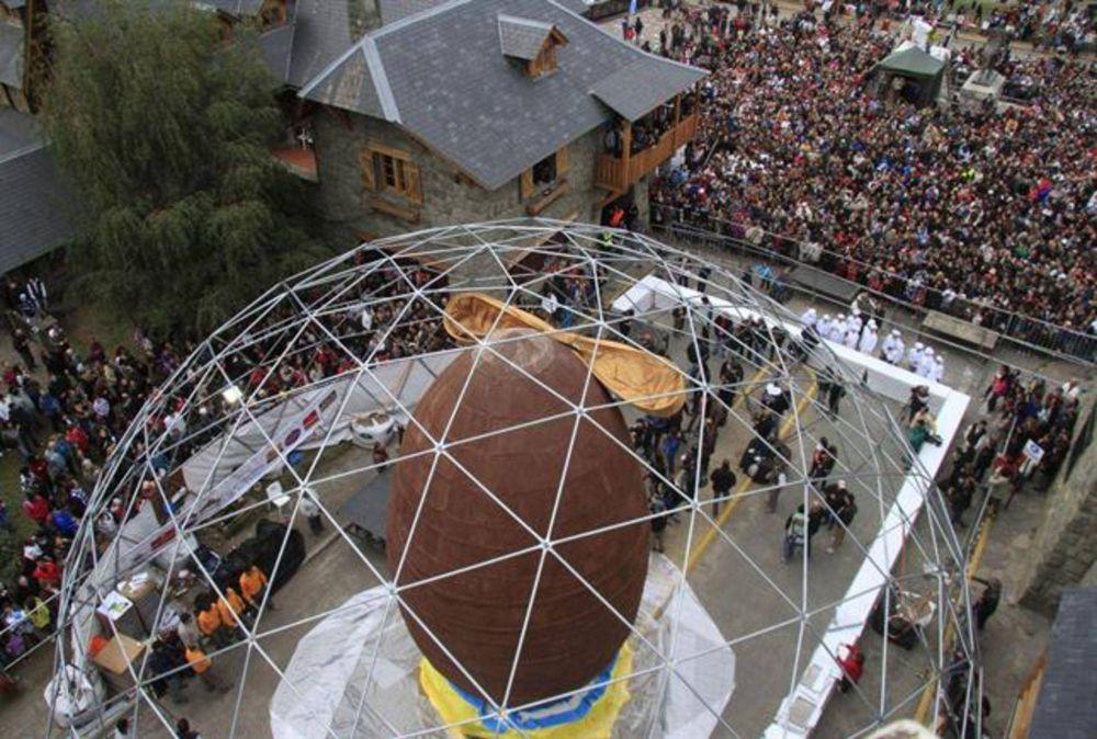 Bariloche: Elaboran el huevo de Pascua más grande del mundo