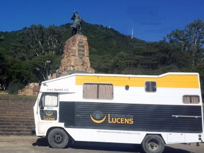 """Lucha contra el ACV: La Fundación Lucens presenta su """"Consultorio Itinerante"""" sobre ruedas"""