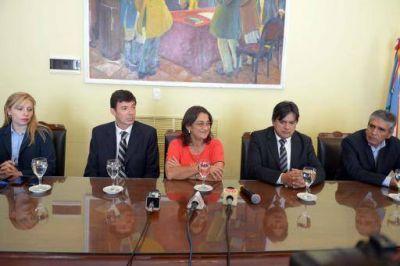 Presentaron la aplicación para teléfonos móviles de la EC SAPEM