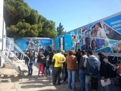 Los móviles sanitarios de la Nación y el camión de