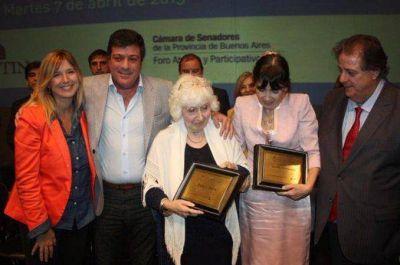 El Senado bonaerense distinguió a la madre y la hermana de Cristina Kirchner