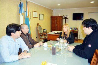 Concejales recibieron al médico pediatra Rodrigo Ulloa