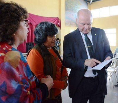 Vicegobernador sigue visitando las escuelas