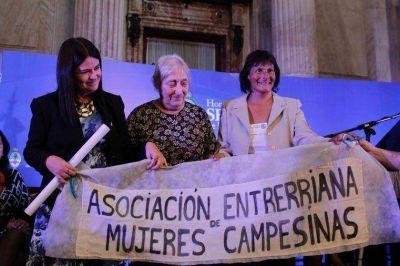 Mujeres campesinas fueron homenajeadas