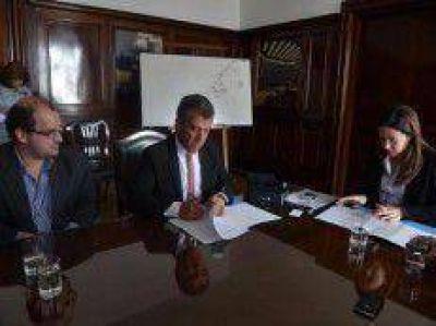 Entre R�os es la primera provincia en firmar el convenio para implementar el Programa Hogar