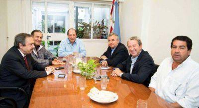 Sanz no quiere ceder los diputados y le pide a los díscolos que abran a Massa las listas provinciales