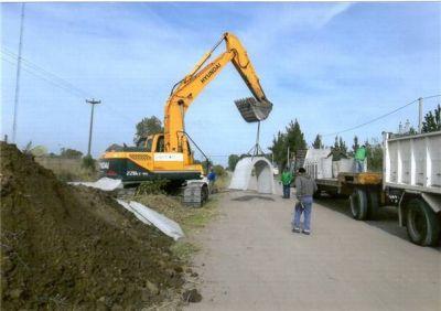 Mazzucco preocupado por las obras en el canal que está detrás del barrio Las Flores