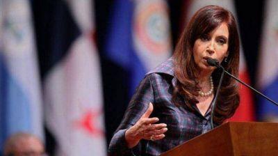 Cristina lleva a Panamá el reclamo por Malvinas y el repudio a los fondos buitre