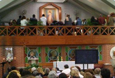 Fiesta en honor de Jesús Misericordioso en el santuario de Villa Urquiza