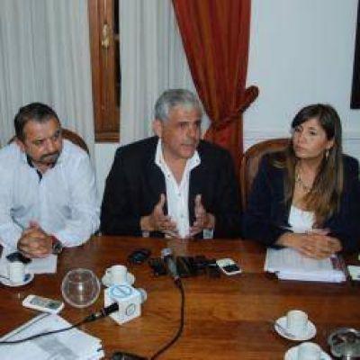 Gobierno y municipio siguen discutiendo por el aumento salarial