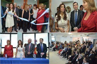 Junto a la Procuradora General de la Nación, la Gobernadora inauguró nuevas oficinas de UFI en Santiago
