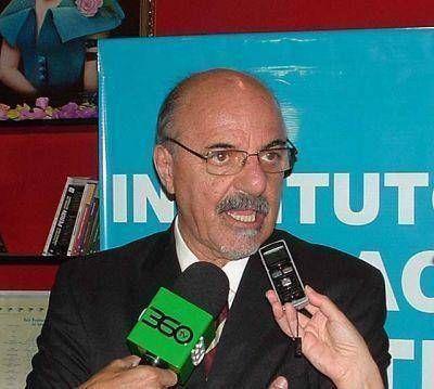 Tomada defendió las paritarias y cruzó al titular de la UIA por pedir su eliminación