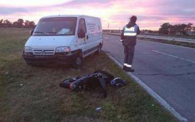 Camioneta de Vialidad Provincial arrolló moto y la arrastró 300 metros en Bahía Blanca