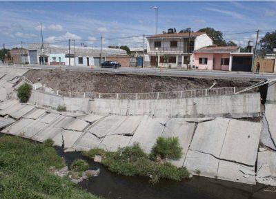 El canal de la Yrigoyen se cayó por falta de mantenimiento