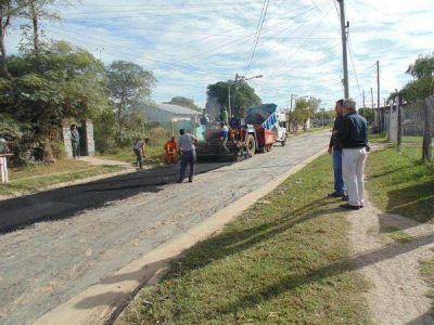 Pergamino: continúan los trabajos de pavimentación en el barrio Hernández
