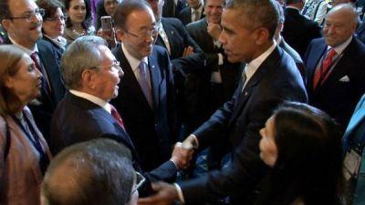"""Raúl Castro: """"Hay que apoyar a Obama"""""""